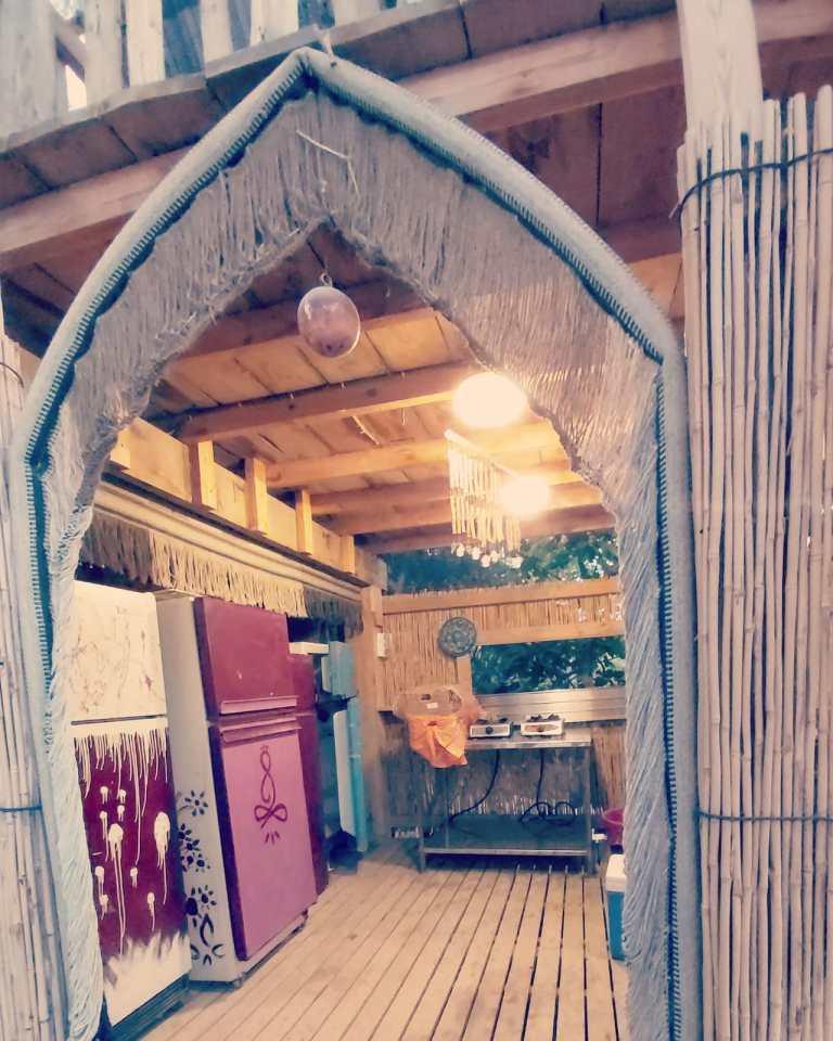 פינת מטבח בכפר הנוקדים