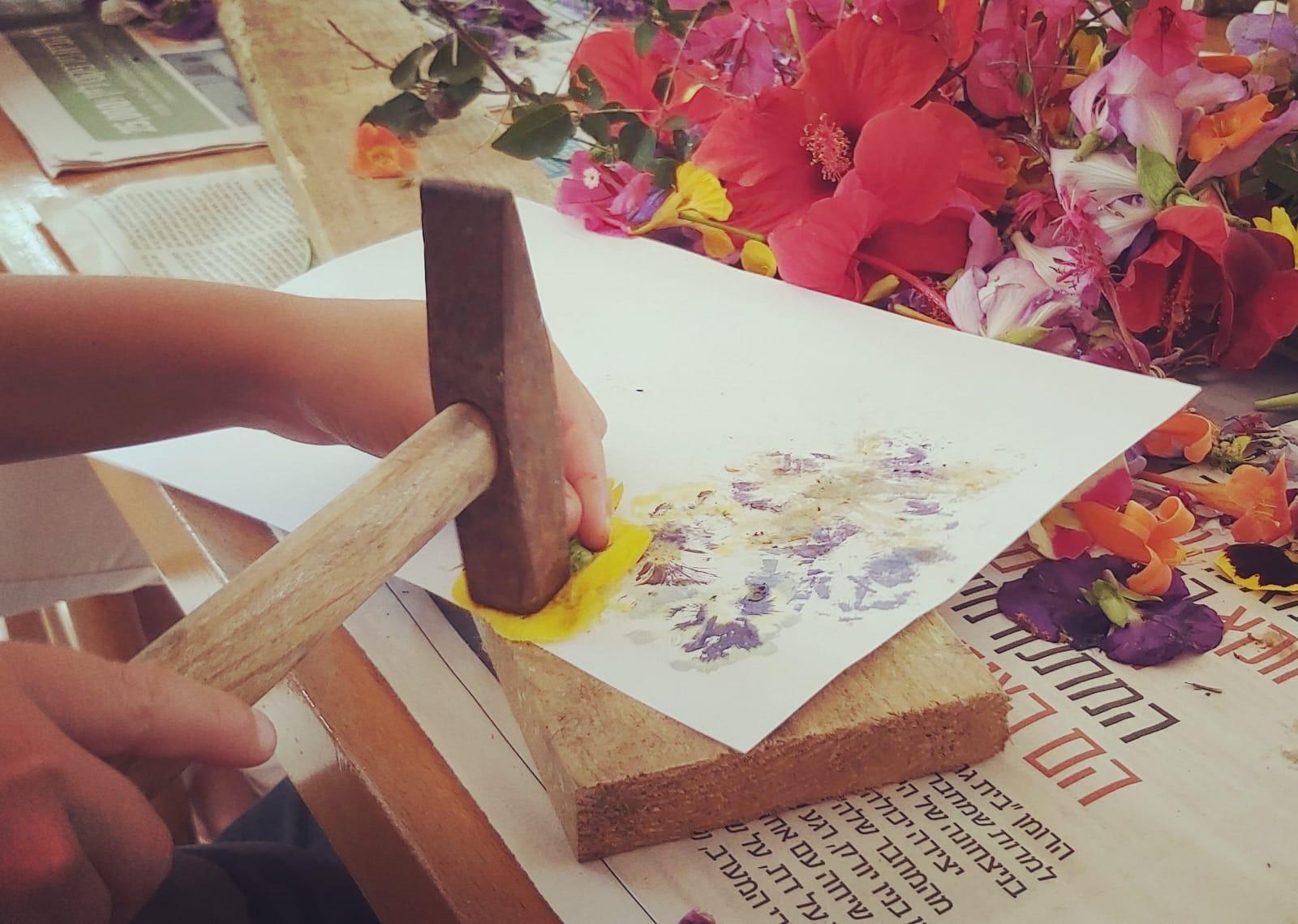 פעילות הדפסי פרחים