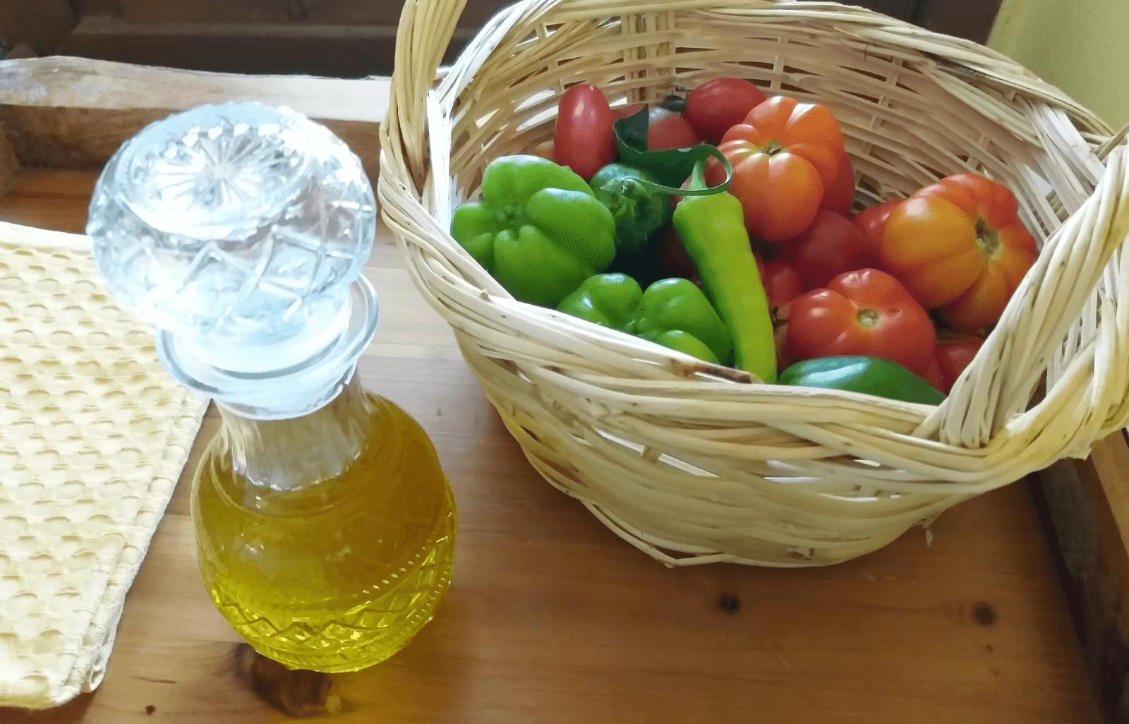 שמן זית וירקות מגן הירק של מלון Ta Petrina