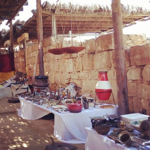 דוכני מוצרים בשוק העיר הנבטית ממשית